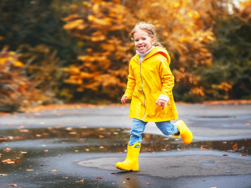 Дети: Если ребенок промочил ноги: чем опасно и что делать