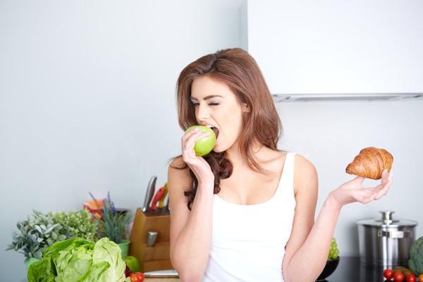 Простой способ не переедать во время ПМС