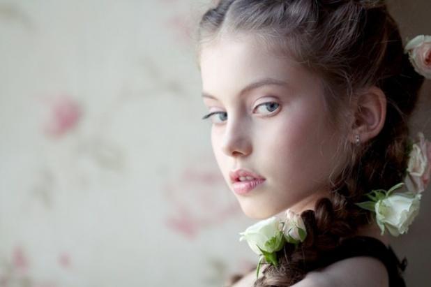 девушка модель ребенка работа