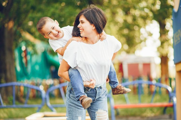 Новые отношения: 3 преимущества женщины с ребенком для мужчины - Летидор