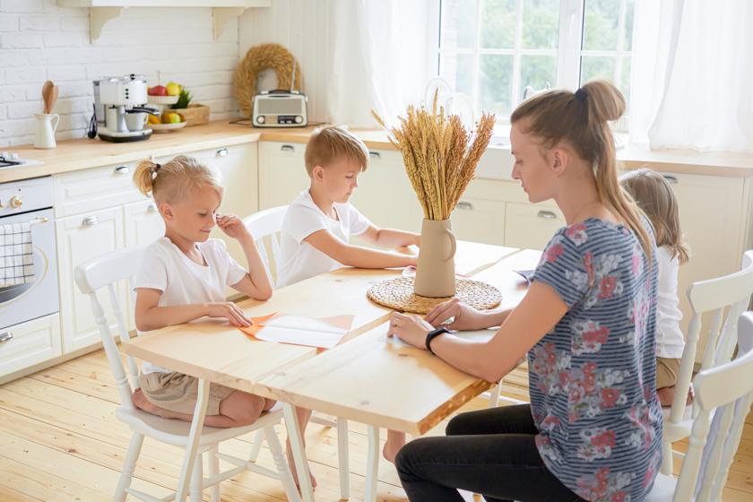 Принцип сэндвича: почему средним детям живется тяжелее других