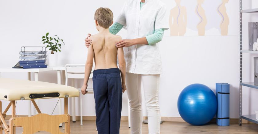 Кривой позвоночник у ребенка